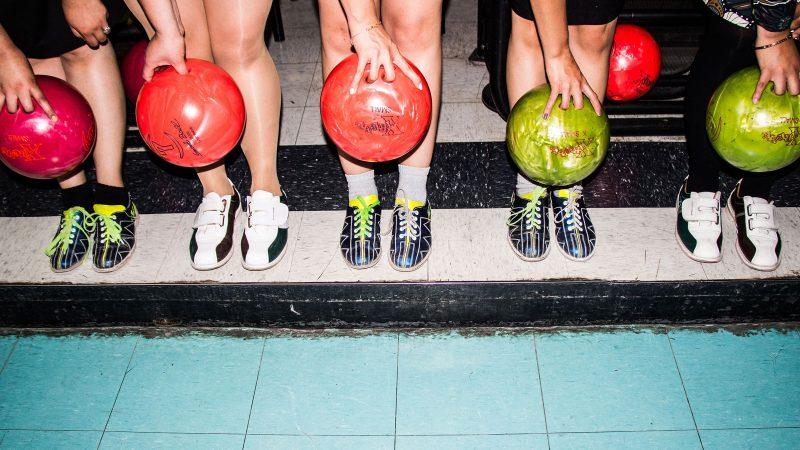 Header bowling Good Times